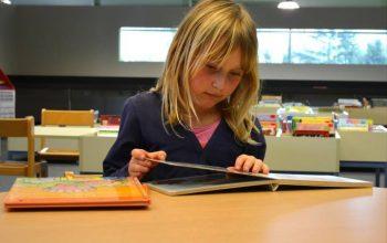 Guest Post – Cum stimulăm imaginația copiilor folosind cărțile de povești, jucăriile de pluș, emisiunile tv? – Antoaneta