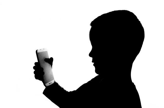 efectul tehnologiei asupra copiilor
