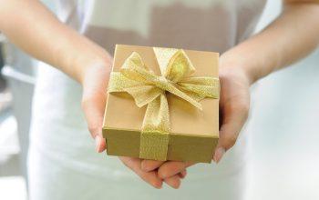 Idei de cadouri pentru părinți si bunici – iată cu ce nu dai greș!