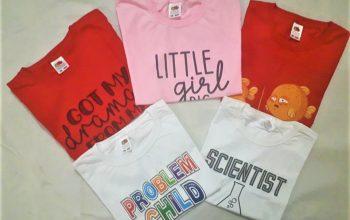 Îmbracă-ți copilul cu tricouri personalizate haioase