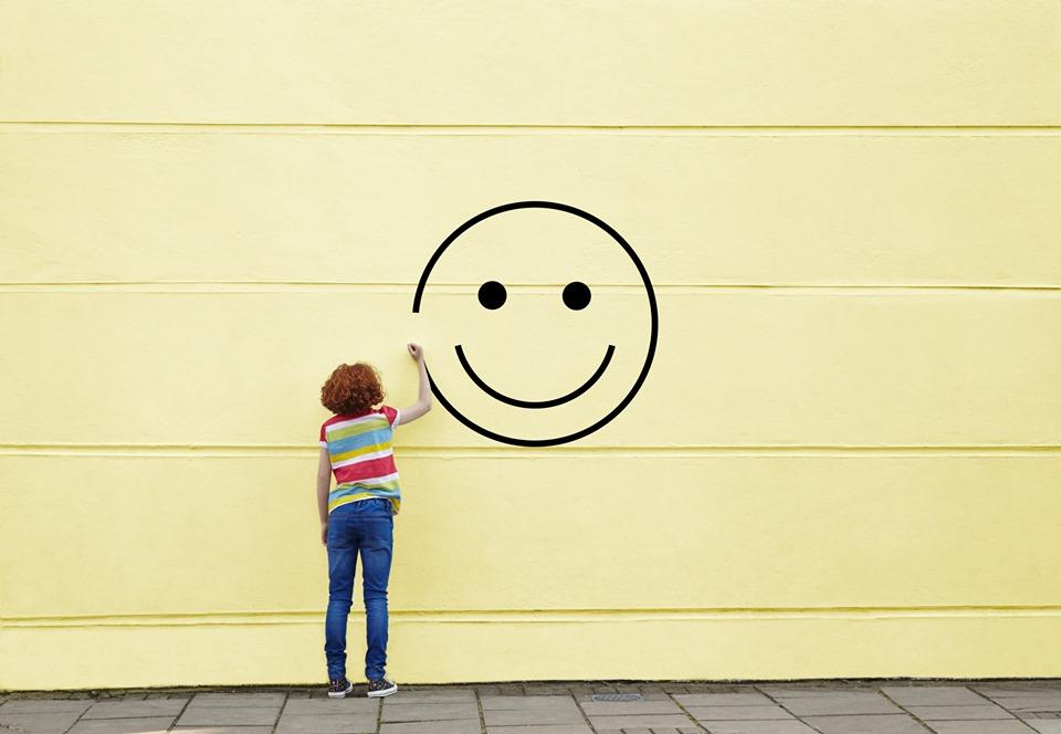 fii fericit