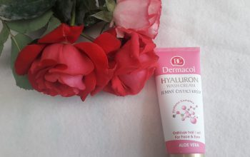 Curățarea zilnică a tenului cu crema demachiantă cu acid hialuronic