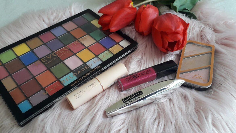 7 Produse de makeup pentru un machiaj de primăvară